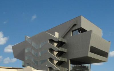Una cosa, un edifici, una grapadora